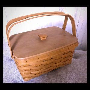 Longaberger double handle basket w/lid & liner